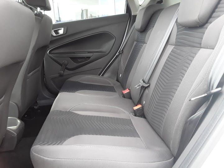 Ford Fiesta 1.25 Zetec White Edition Hatchback 5dr Petrol Manual (122 G/km, 81 Bhp) | BJ66CCO | Photo 5