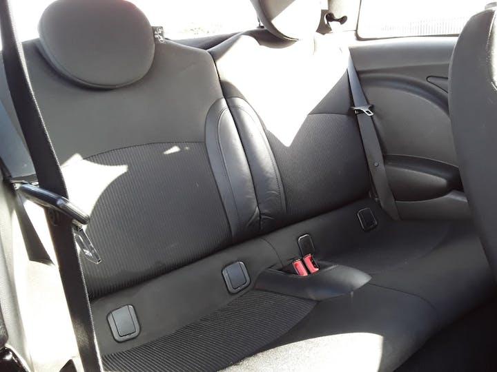 MINI Hatch 1.6 Cooper Soho Hatchback 3dr Petrol Manual (127 G/km, 122 Bhp)   BV61ODK   Photo 5