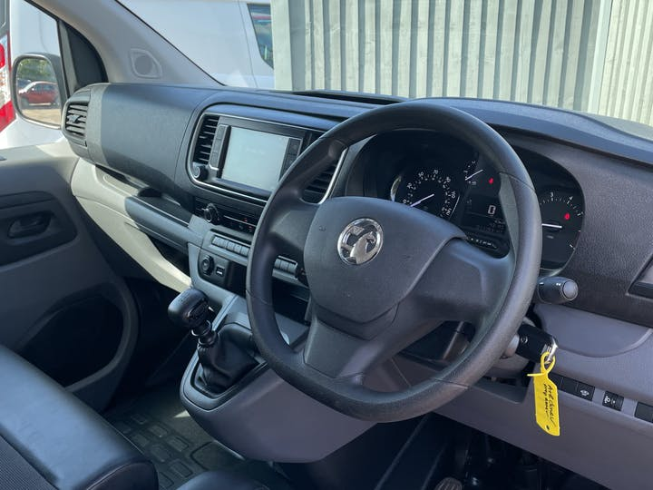 Vauxhall Vivaro 1.5 Turbo D 2900 Dynamic Panel Van 6dr Diesel Manual L2 H1 Eu6 (s/s) (100 Ps) | DV20AFN | Photo 5