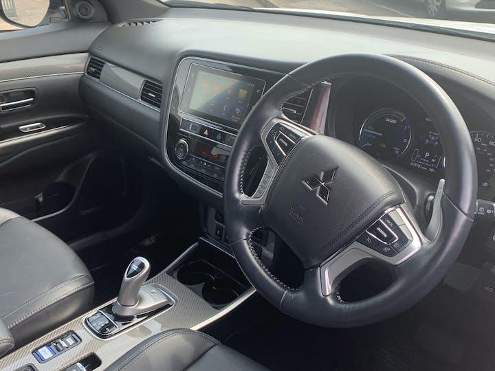 Mitsubishi Outlander 2.4h Twinmotor 13.8kwh 4h SUV 5dr Petrol Plug In Hybrid Cvt 4wd (s/s) (209 Ps) | FE68ZDK | Photo 5