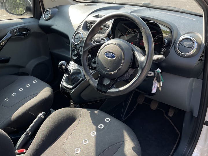 Ford Ka 1.2 Metal Hatchback 3dr Petrol Manual (115 G/km, 69 Bhp)   FM15XVN   Photo 5