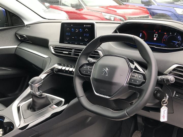 Peugeot 3008 1.5 Bluehdi Allure 5dr   FP69ULY   Photo 5