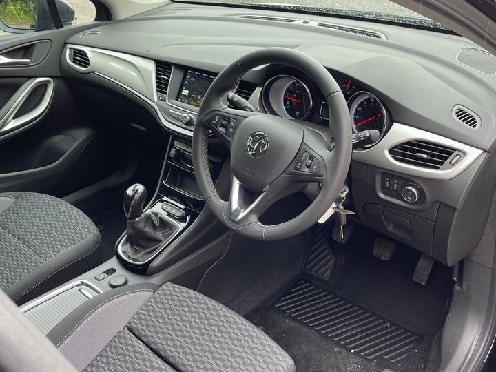 Vauxhall Astra 1.2 Turbo SRi Hatchback 5dr Petrol Manual (s/s) (145 Ps) | FT21NUX | Photo 5