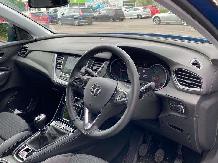 Vauxhall Grandland X 1.5 Turbo D Griffin 5dr | FV20LYY | Photo 5