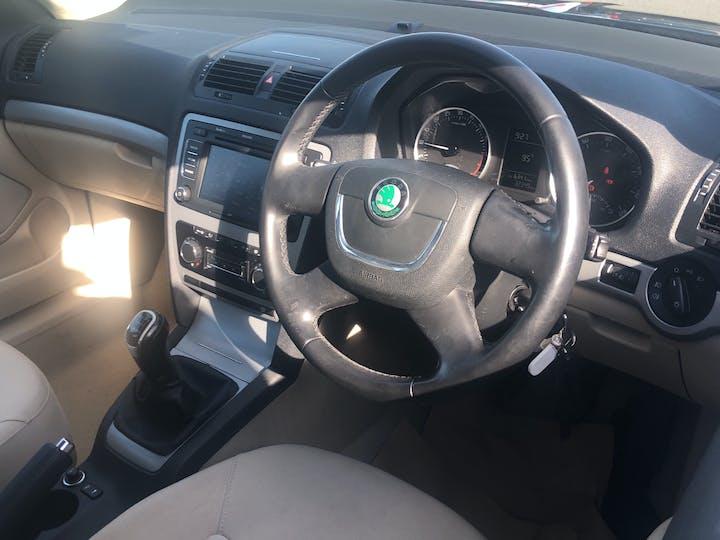 Skoda Octavia 2.0 TDi Cr Elegance Hatchback 5dr Diesel Manual (126 G/km, 140 Bhp) | GF61FKZ | Photo 5