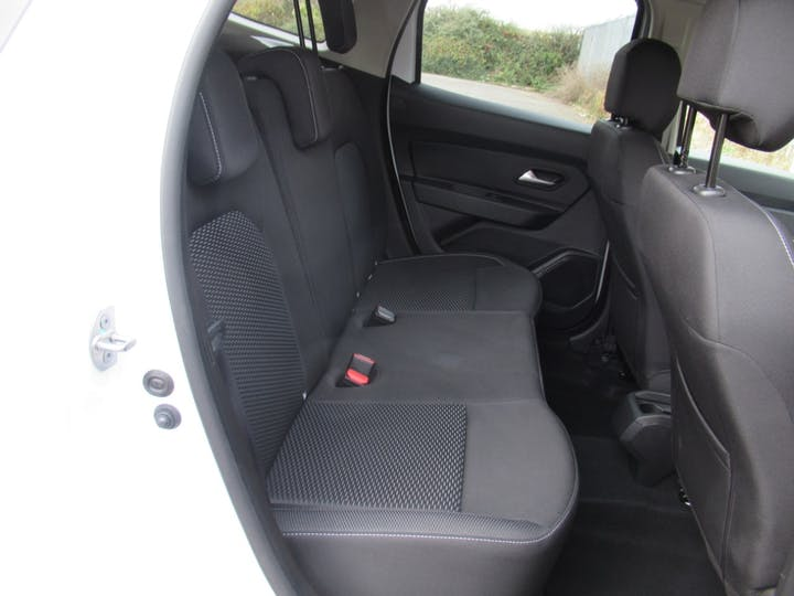 Dacia Duster 1.3 Tce Comfort SUV 5dr Petrol Manual (s/s) (130 Ps) | HK69XBG | Photo 5