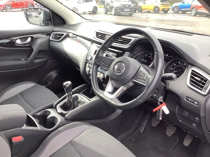 Nissan Qashqai 1.5 DCi Acenta SUV 5dr Diesel Manual (s/s) (110 Ps) | MD67JHO | Photo 5