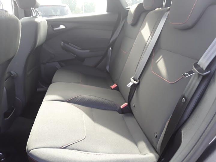 Ford Focus 1.5 TDCi St Line Hatchback 5dr Diesel (s/s) (120 Ps) | MF68OWV | Photo 5