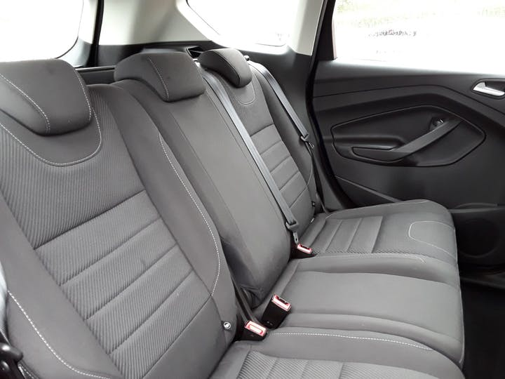 Ford Kuga 1.6 Ecoboost Zetec 5dr 2wd | MK64AEA | Photo 5