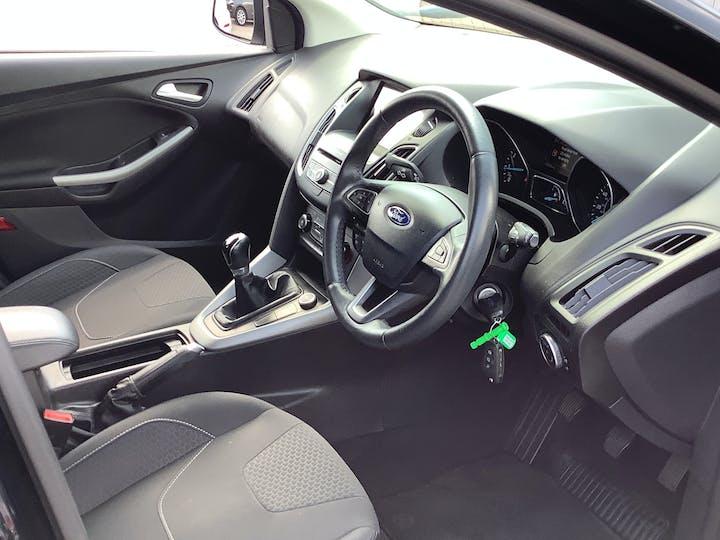 Ford Focus 1.0t Ecoboost Zetec Edition Hatchback 5dr Petrol (s/s) (100 Ps) | MM17EFA | Photo 5