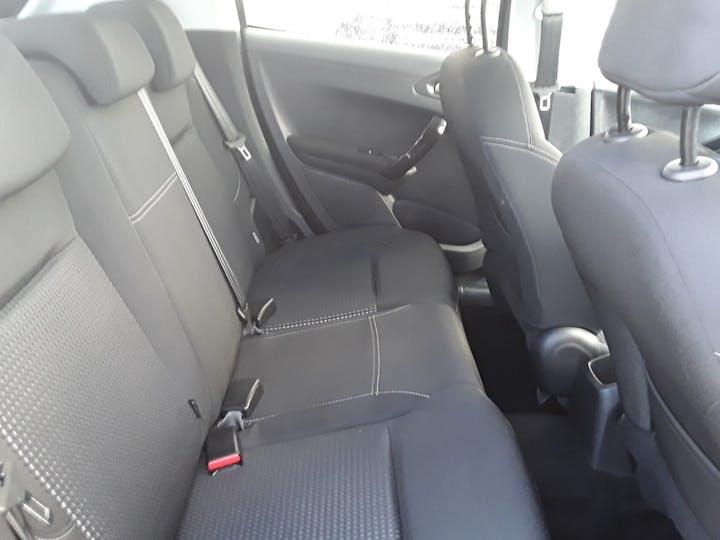 Peugeot 208 1.2 Puretech Allure Premium Hatchback 5dr Petrol (s/s) (82 Ps) | MM18GNV | Photo 5