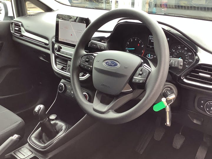 Ford Fiesta 1.1 Ti Vct Trend Hatchback 5dr Petrol Manual (s/s) (85 Ps) | MT69MMF | Photo 5