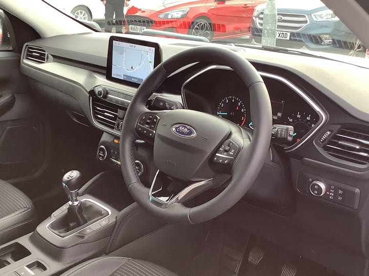 Ford Kuga 1.5t Ecoboost Titanium First Edition SUV 5dr Petrol Manual (s/s) (150 Ps) | MT70NBK | Photo 5