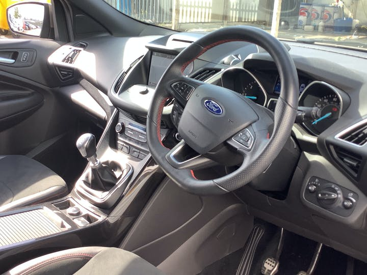 Ford Kuga 1.5 TDCi St Line SUV 5dr Diesel Manual (s/s) (120 Ps) | MV19AAY | Photo 5