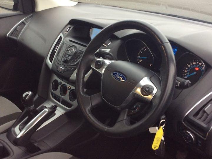 Ford Focus 1.6 Ti Vct Zetec Hatchback 5dr Petrol Manual (136 G/km, 103 Bhp) | SD11EAX | Photo 5