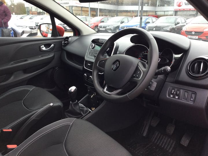 Renault Clio 0.9 Tce Play Hatchback 5dr Petrol (s/s) (90 Ps)   WO19YFC   Photo 5