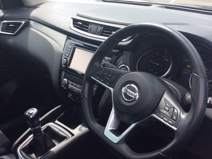 Nissan Qashqai 1.5 DCi N Connecta SUV 5dr Diesel Manual (s/s) (110 Ps)   YE67LYY   Photo 5