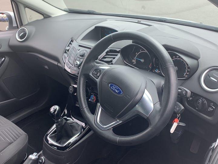 Ford Fiesta 1.25 Zetec Hatchback 5dr Petrol Manual (120 G/km, 81 Bhp)   YR14XRP   Photo 5