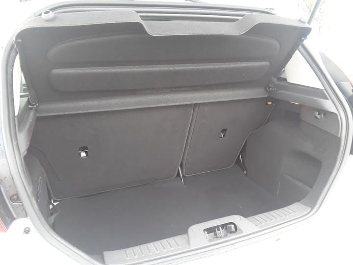 Ford Fiesta 1.25 Zetec White Edition Hatchback 5dr Petrol Manual (122 G/km, 81 Bhp) | BJ66CCO | Photo 6