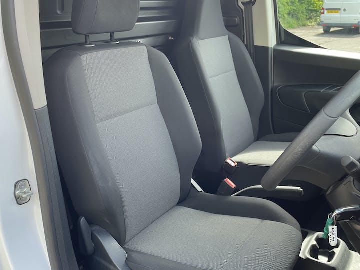 Vauxhall Combo 2000 1.6 Turbo D 1 00PS H1 Edition Van | DS19JDU | Photo 6