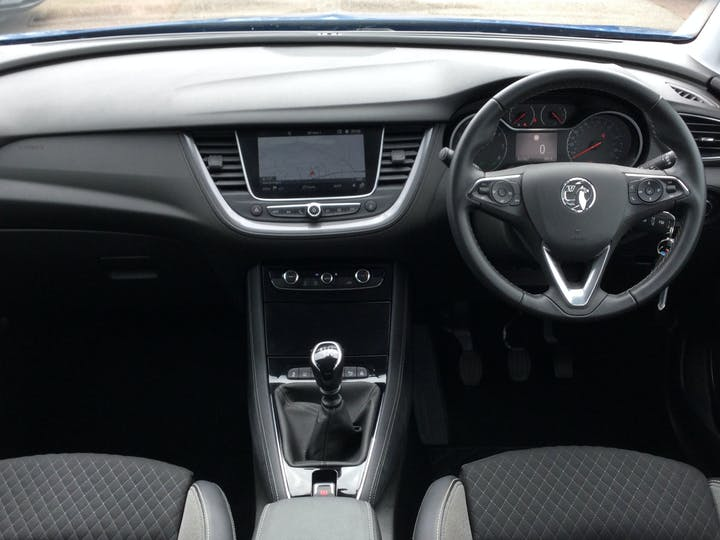 Vauxhall Grandland X 1.2 Turbo SRi Nav SUV 5dr Petrol Manual (s/s) (130 Ps)   DT69YAW   Photo 6