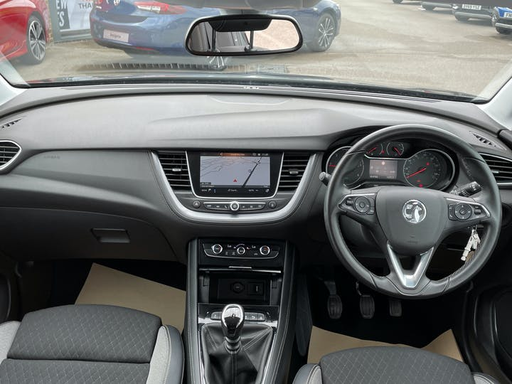 Vauxhall Grandland X 1.5 Turbo D Blueinjection Sport Nav SUV 5dr Diesel Manual (s/s) (130 Ps) | DY19DHO | Photo 6