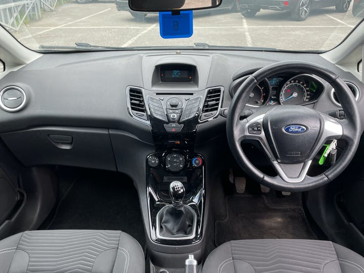 Ford Fiesta 1.25 Zetec Hatchback 5dr Petrol Manual (120 G/km, 81 Bhp) | FD62YLK | Photo 6