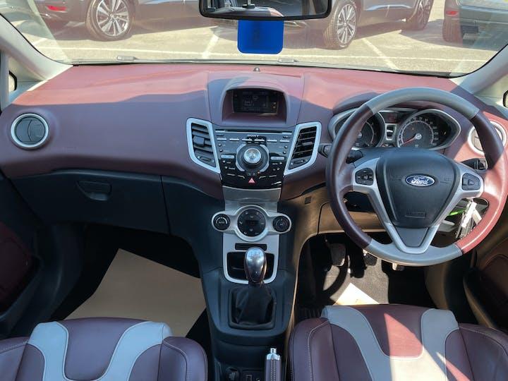 Ford Fiesta 1.4 Titanium Hatchback 5dr Petrol Manual (133 G/km, 94 Bhp)   FG60RZX   Photo 6