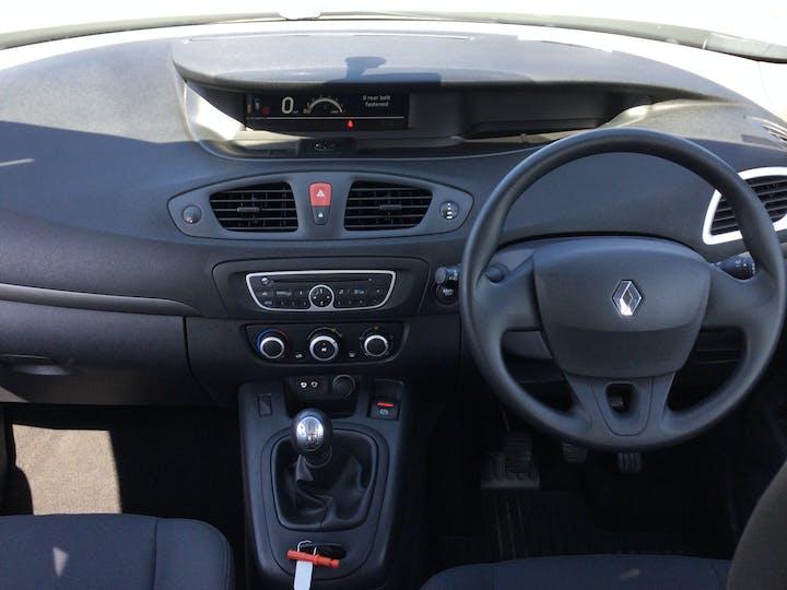 Renault Scenic 1.6 VVT Expression Mpv 5dr Petrol Manual (178 G/km, 110 Bhp) | FL60PLN | Photo 6