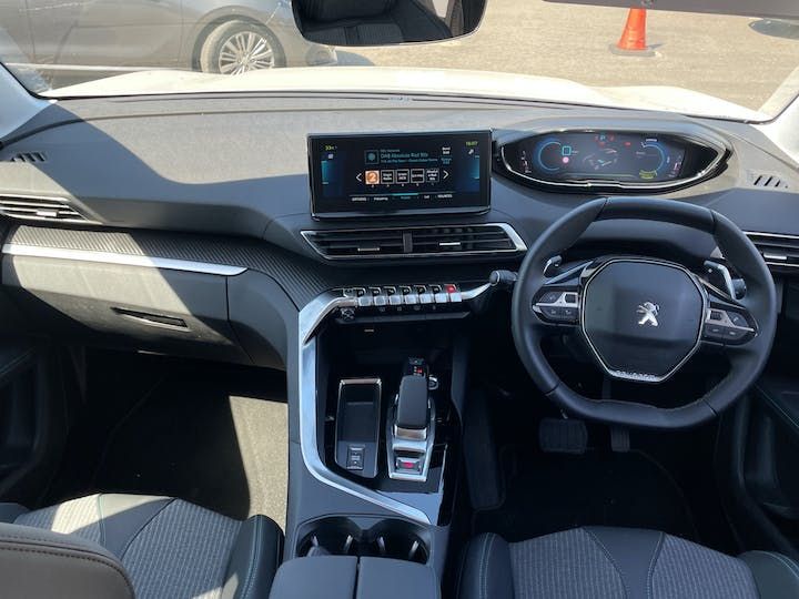 Peugeot 3008 1.6 13.2kwh Allure SUV 5dr Petrol Plug In Hybrid E Eat (s/s) (225 Ps)   FN21YYX   Photo 6