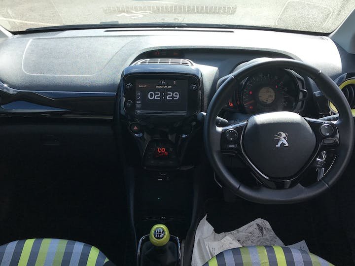 Peugeot 108 1.0 Collection Hatchback 5dr Petrol (s/s) (72 Ps) | FP69WJX | Photo 6