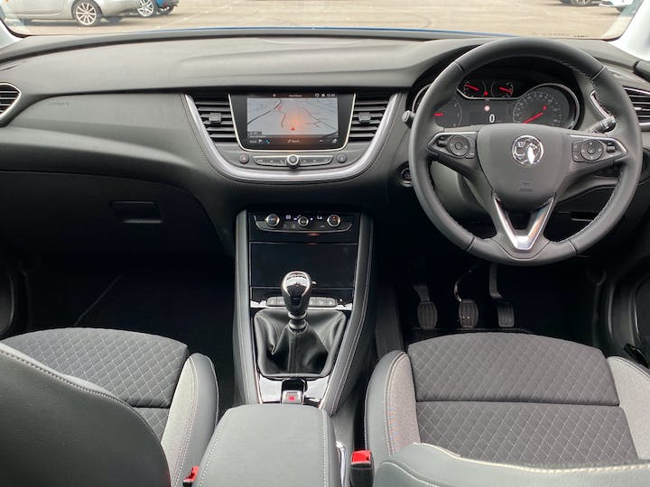 Vauxhall Grandland X 1.5 Turbo D Griffin 5dr | FV20LYY | Photo 6