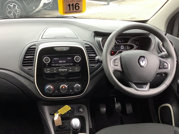 Renault Captur 0.9 Tce Energy Play SUV 5dr Petrol (s/s) (90 Ps) | HJ68VJG | Photo 6
