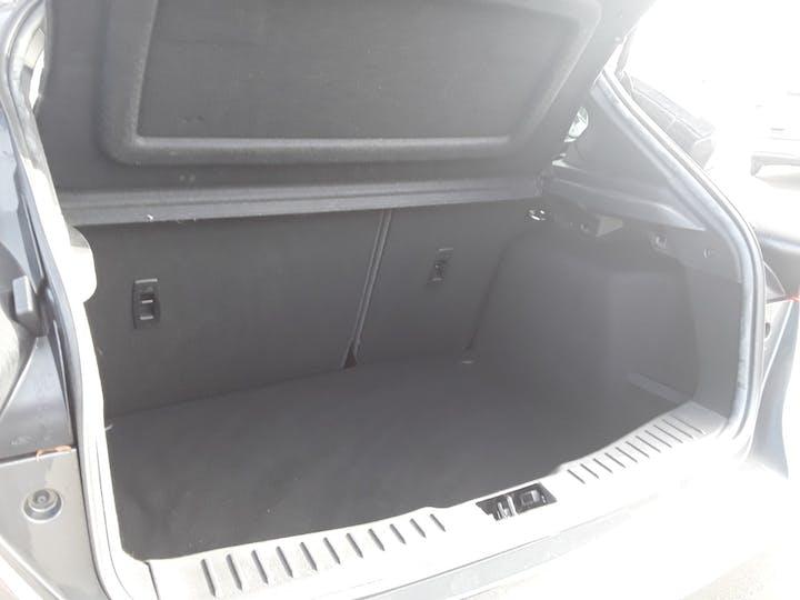 Ford Focus 1.5 TDCi 120PS ST-line Navigation 5dr   MF68OWV   Photo 6