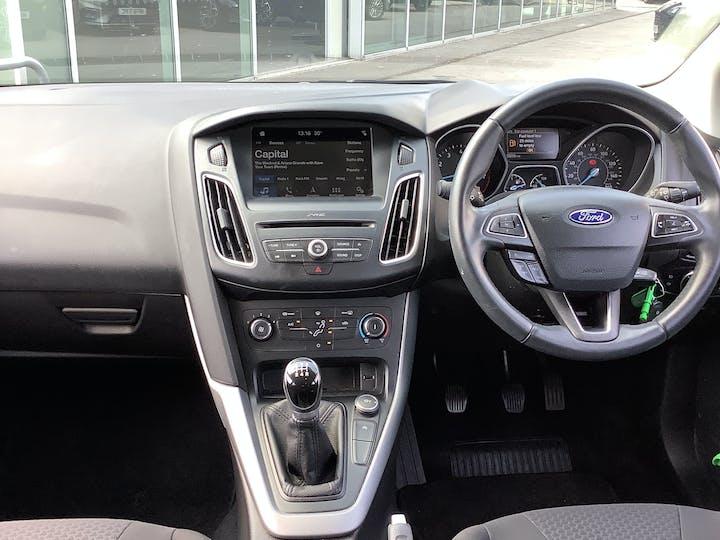Ford Focus 1.0t Ecoboost Zetec Edition Hatchback 5dr Petrol (s/s) (100 Ps) | MM17EFA | Photo 6