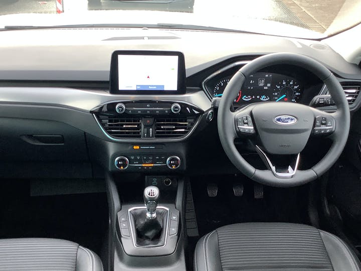 Ford Kuga 1.5t Ecoboost Titanium First Edition SUV 5dr Petrol Manual (s/s) (150 Ps) | MT70NBK | Photo 6