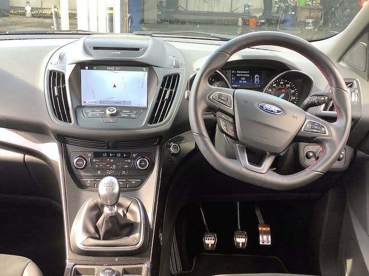Ford Kuga 1.5 TDCi St Line SUV 5dr Diesel Manual (s/s) (120 Ps) | MV19AAY | Photo 6
