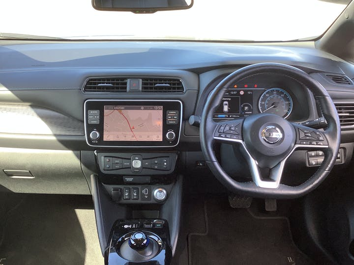 Nissan Leaf 40kwh N Connecta Hatchback 5dr Electric Auto (150 Ps) | VU69EOC | Photo 6