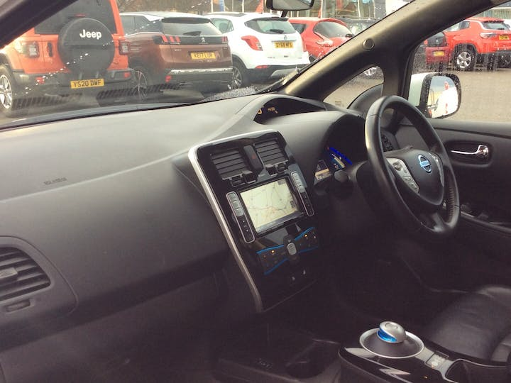 Nissan Leaf (24kwh) Tekna Hatchback 5dr Electric Automatic (0 G/km, 107 Bhp) | EY64KFZ | Photo 7