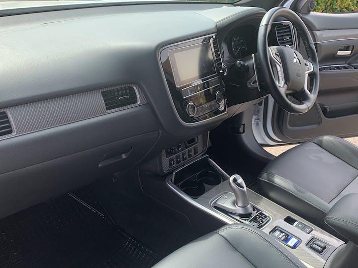 Mitsubishi Outlander 2.4h Twinmotor 13.8kwh 4h SUV 5dr Petrol Plug In Hybrid Cvt 4wd (s/s) (209 Ps) | FE68ZDK | Photo 7