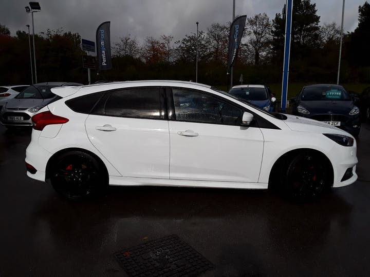 Ford Focus 2.0t Ecoboost ST-3 Navigation 5dr | MF18SYX | Photo 7