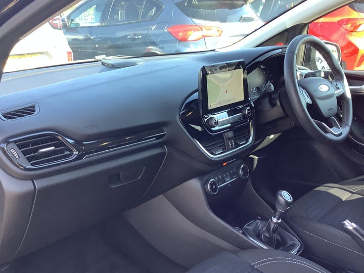 Ford Fiesta 1.0t Ecoboost Titanium Hatchback 5dr Petrol Manual (s/s) (100 Ps) | MM18VGE | Photo 7