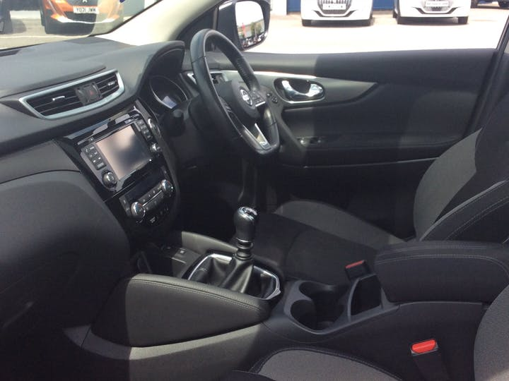 Nissan Qashqai 1.5 DCi N Connecta SUV 5dr Diesel Manual (s/s) (110 Ps)   YE67LYY   Photo 7