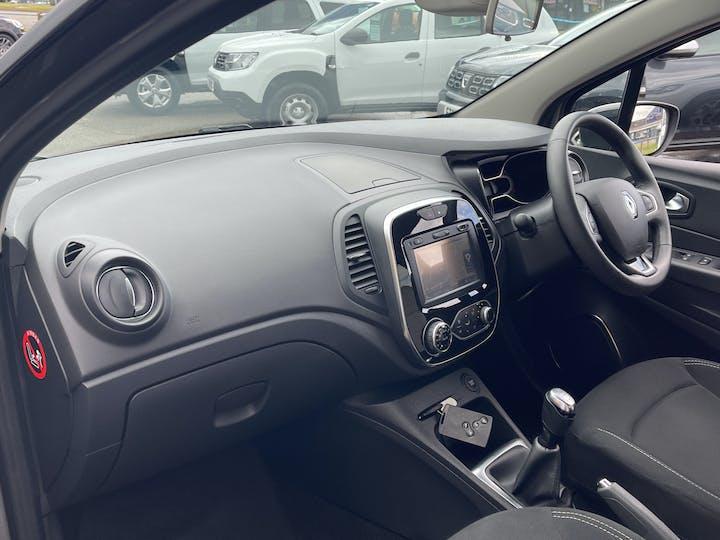 Renault Captur 0.9 Tce Energy Iconic SUV 5dr Petrol (s/s) (90 Ps)   YF68VVB   Photo 7