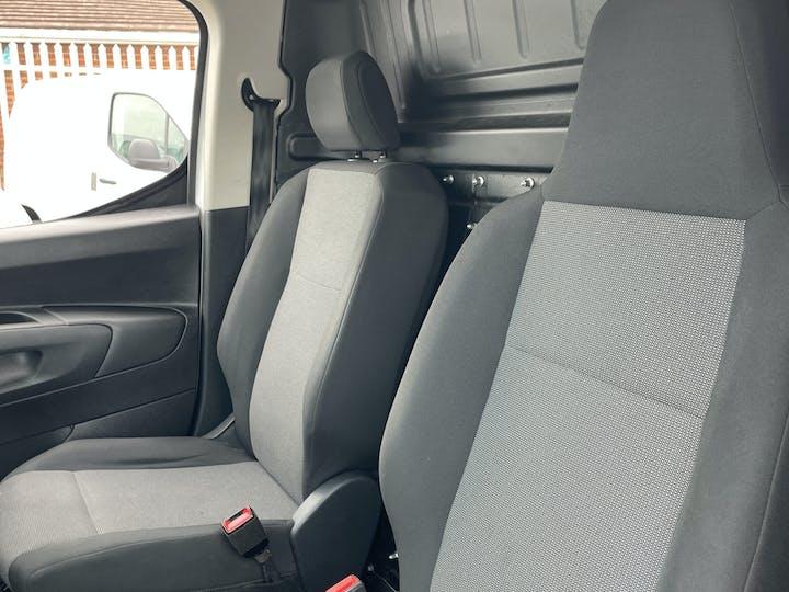 Vauxhall Combo L1 Diesel Combo Cargo 2000 1.6 Turbo D 7 5PS H1 Edition Van | DP19VBN | Photo 8