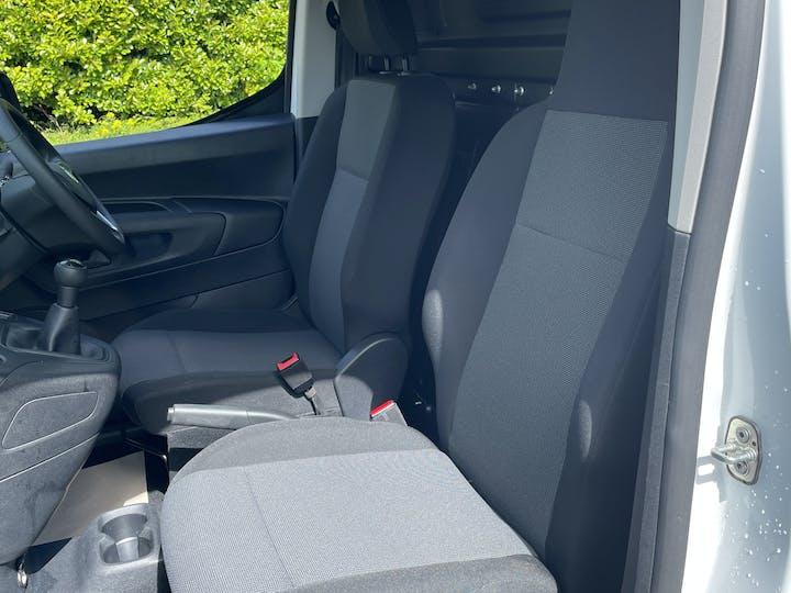 Vauxhall Combo 2000 1.6 Turbo D 1 00PS H1 Edition Van | DS19JDU | Photo 8