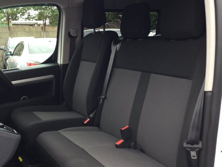 Vauxhall Vivaro L2 Diesel 3100 2.0d 180 Ps Elite H1 D/cab Auto | FD21DWL | Photo 8