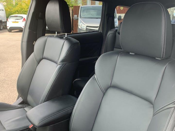Mitsubishi Outlander 2.4h Twinmotor 13.8kwh 4h SUV 5dr Petrol Plug In Hybrid Cvt 4wd (s/s) (209 Ps) | FE68ZDK | Photo 8