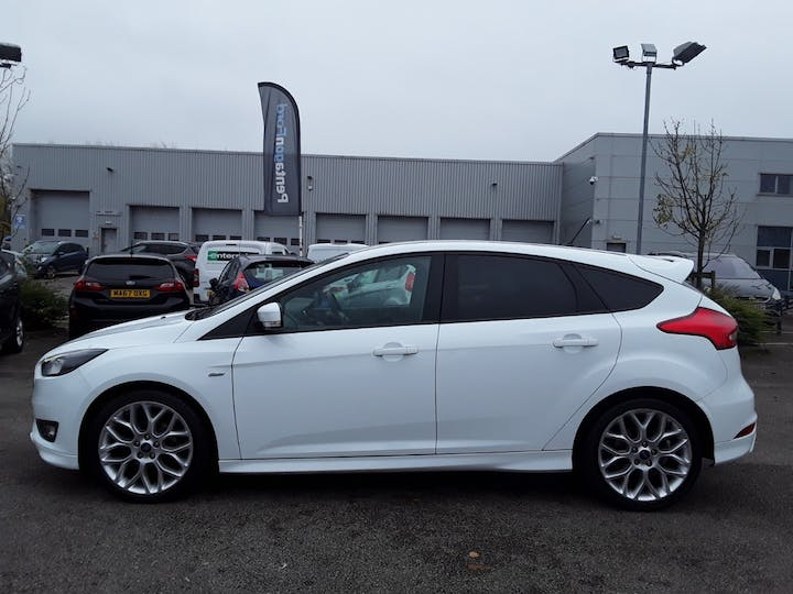 Ford Focus 1.5 TDCi St Line Hatchback 5dr Diesel (s/s) (120 Ps) | MD18HBJ | Photo 8