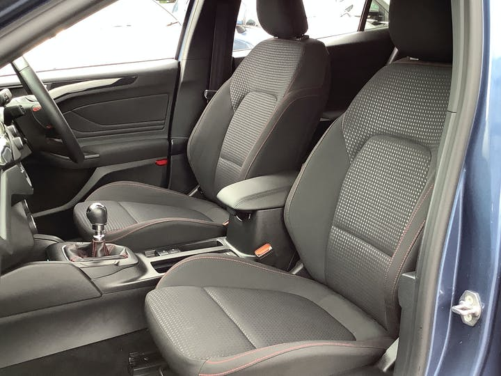 Ford Focus 1.0t Ecoboost St Line Hatchback 5dr Petrol Manual (s/s) (125 Ps) | MD19XDL | Photo 8